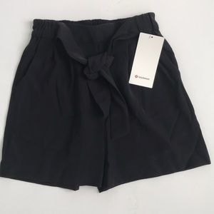 "Lululemon Noir Short 5.5"" Black"